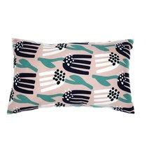 Чехол для подушки цвета пыльной розы с графичным принтом Lazy flower Cuts&Pieces, 30х50 см - Tkano